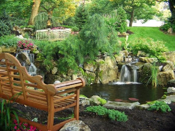 Garden Bench and Bridge (Long Island/NY):