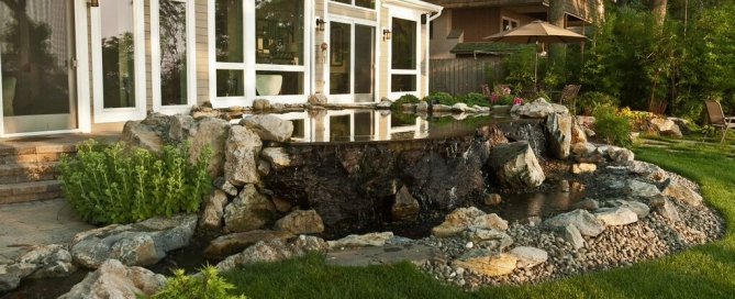 Multi-Functional Water Feature: