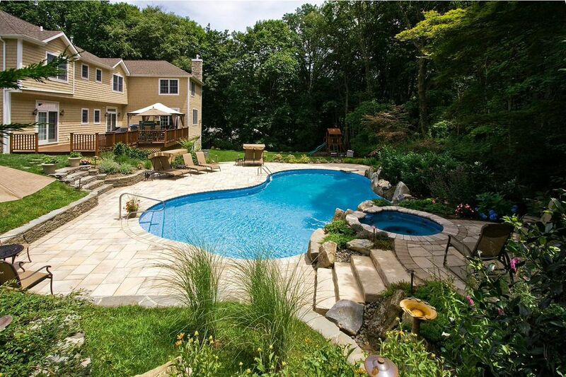 Award Winning Project Showcase: Freeform Vinyl Pool/Spa In Manhasset, NY U2013  The Deck And Patio Company