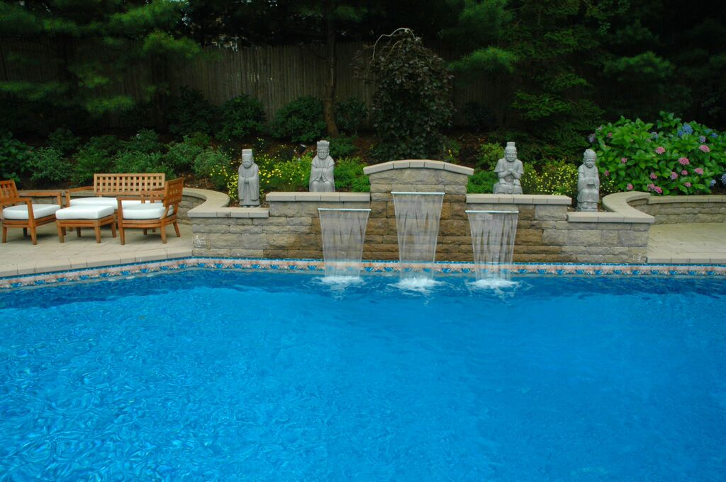 Fountain Style Water Feature: