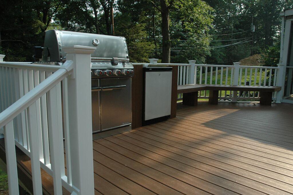 custom trex deck with bench - Trex Deck Design Ideas