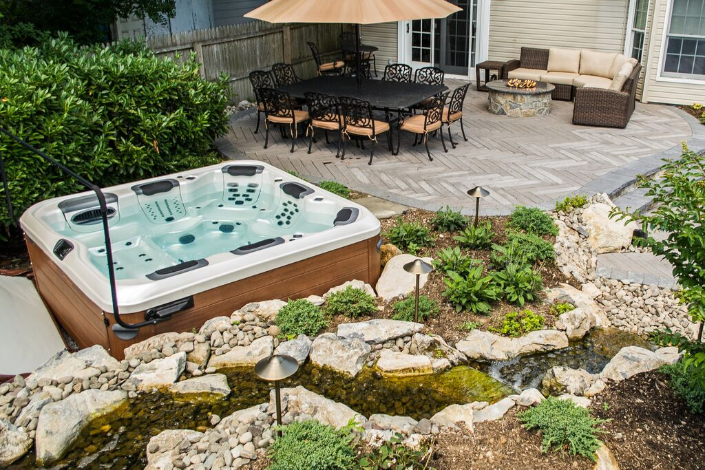 outdoor upscale lodge at photo stock alamy images photos looking hot tub in the cove shore natural spa