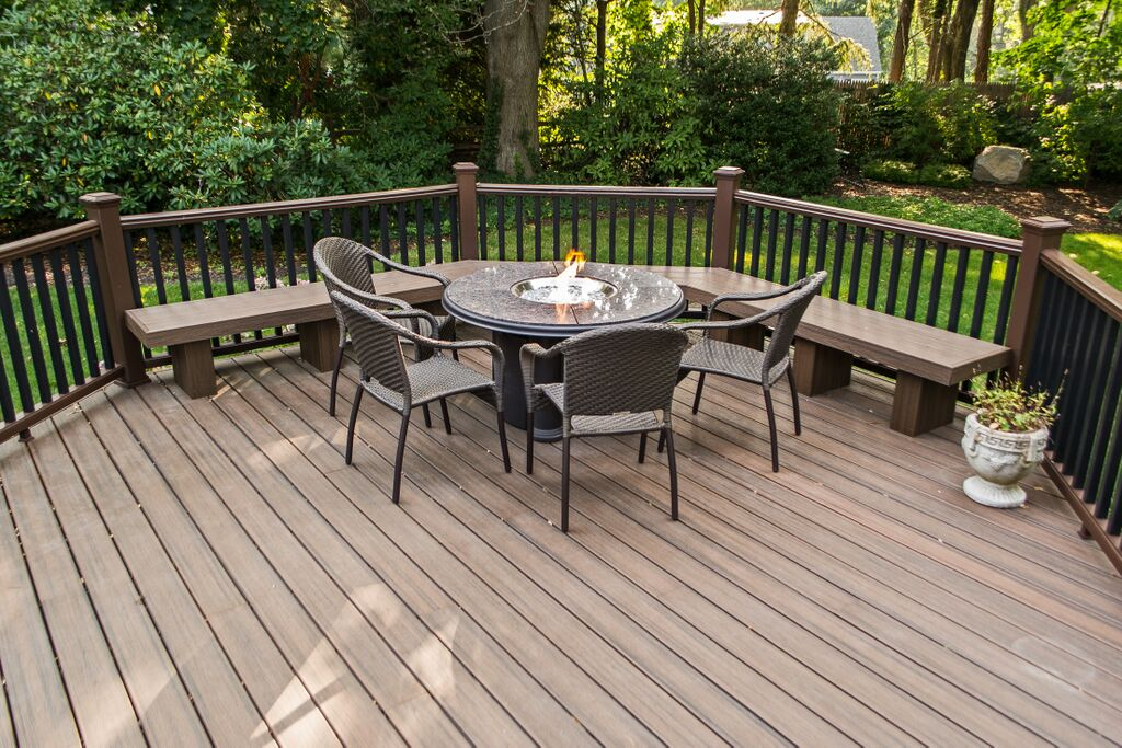 Trex Deck With Fire Table: