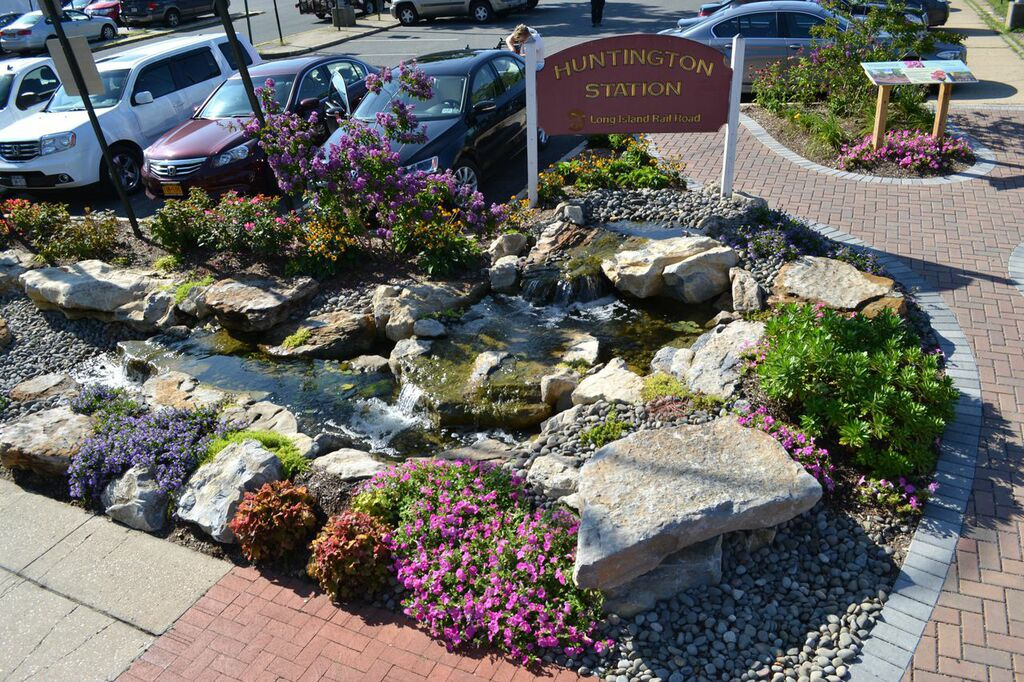 Rainwater Harvesting Water Feature (Huntington Station/NY):