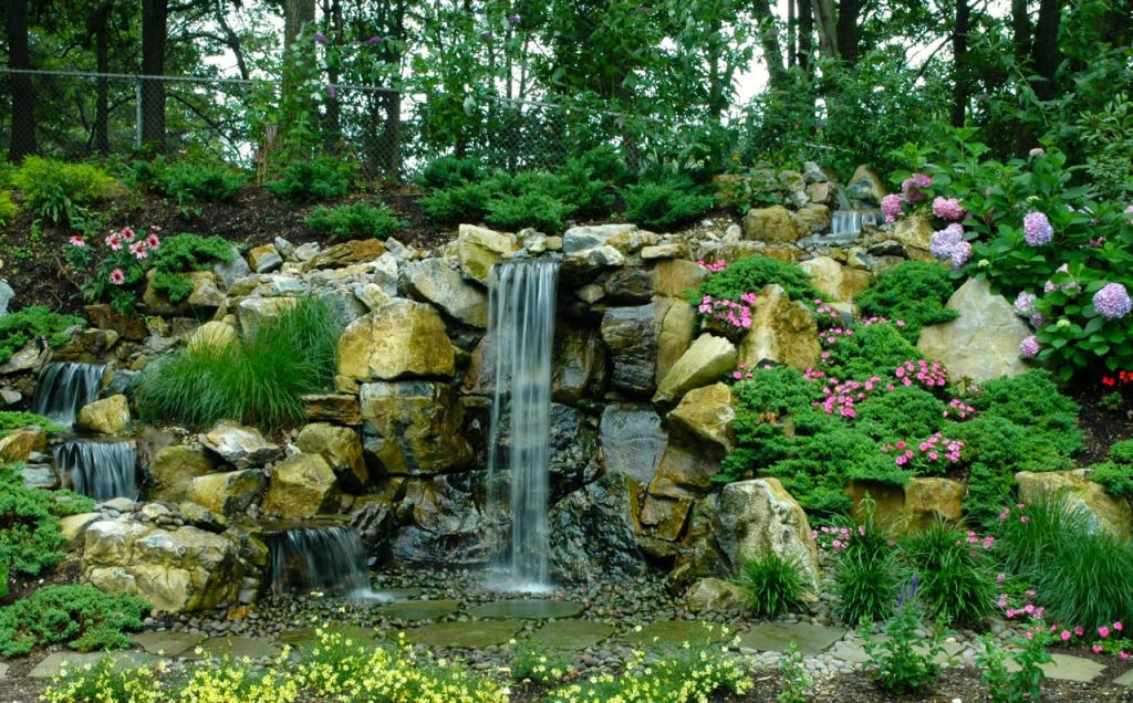 New Wall Includes Aquascape Pondless Waterfall