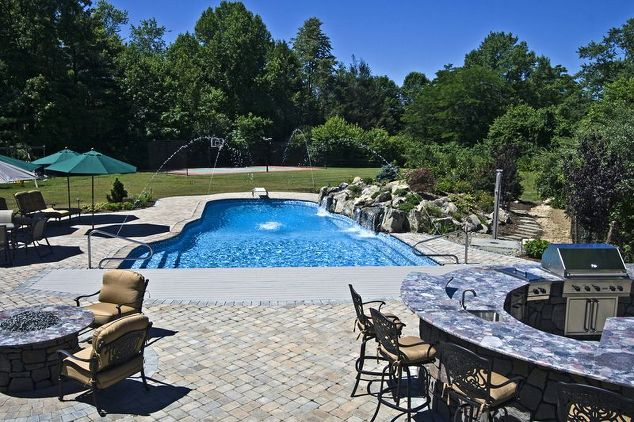 Vinyl-lined Pool Sanctuary: