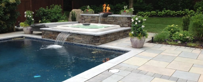 "Pool/Spa Surround in Techo-Bloc ""Monticello"":"