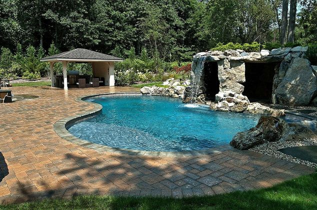 Water Feature for Freeform Pool: