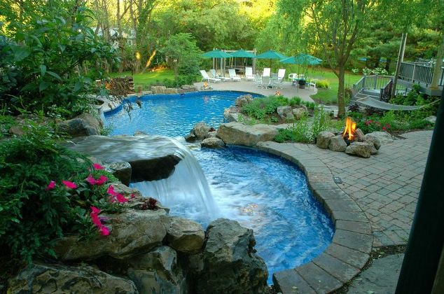 Spa and Pool Waterfalls:
