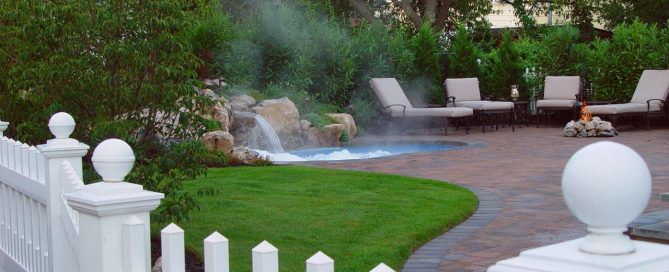 Pool/Spa Combo for Small Backyard: