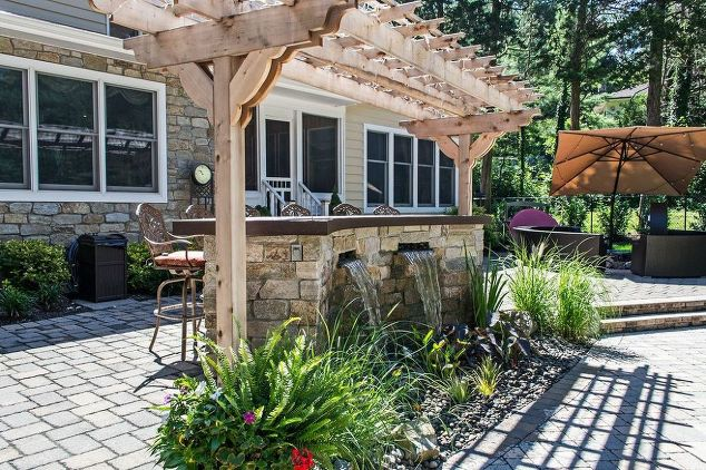 Outdoor Bar With Pondless Waterfalls: Here Sheet Waterfalls (a.k.a. Sheer  Descent Waterfalls) Offer