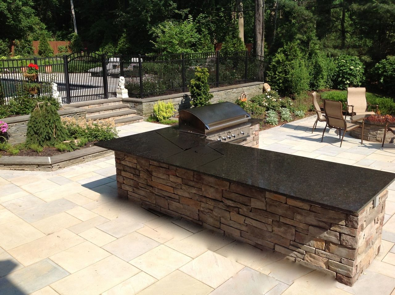 Granite-Topped Outdoor Kitchen: