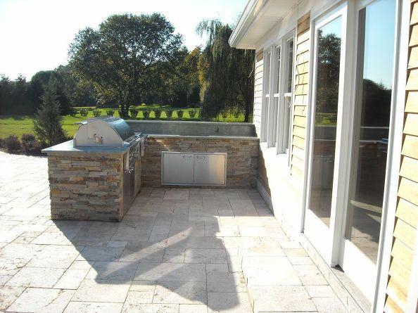 Pool House Outdoor Kitchen (Long Island/NY):