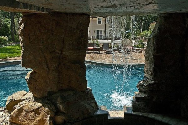 Spa Inside Pool Grotto: