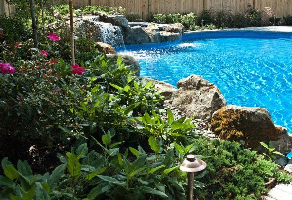 Pool Waterfalls/Spillover Spa (Massapequa/NY):