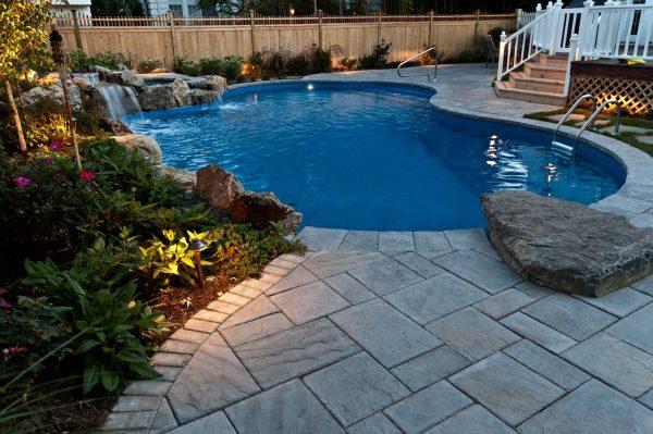 Fitting Pools in Small Yards (Massapequa/NY):