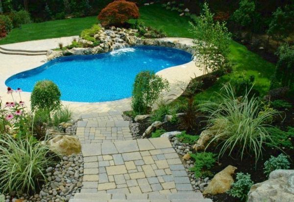 Paver Steps Make Perfect Pathway