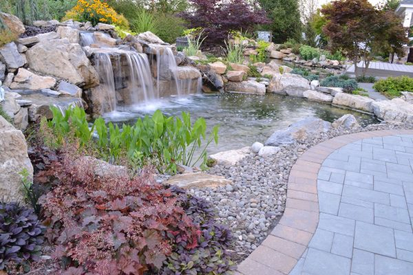 Water Feature with Waterfall (Shoreham/NY):