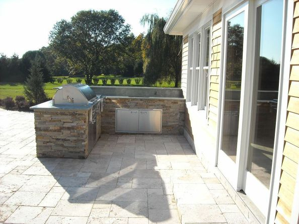 Pool House Outdoor Kitchen (Long Island/NY):