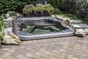 Portable Hot Tub Appears Custom-Built