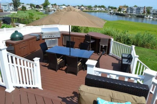 Deck Outdoor Activity Center: