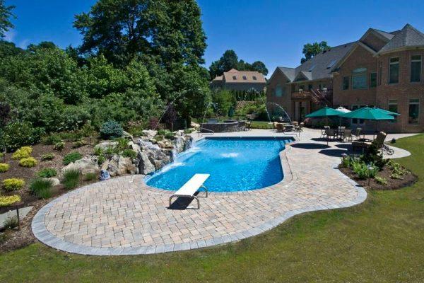 Vinyl-lined Pool Sanctuary (Long Island/NY):