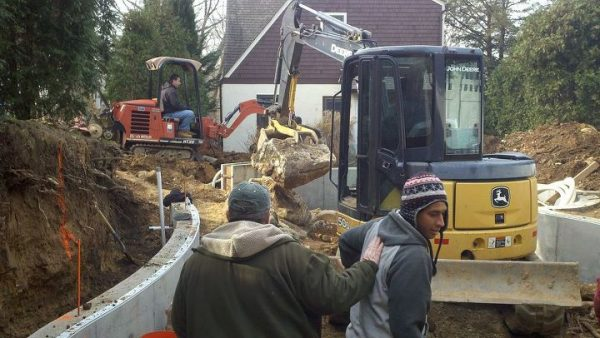 Small Yard Pool Construction (Huntington/NY):