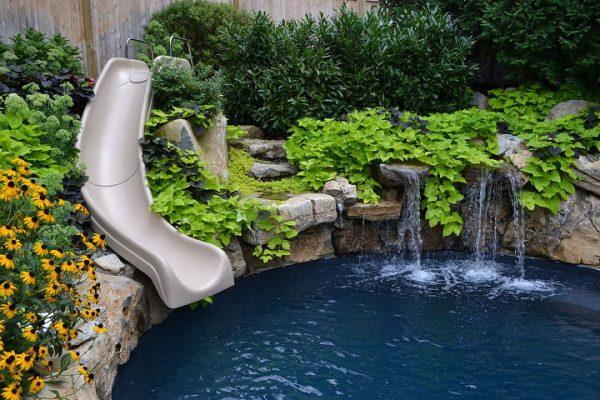 Pool Moss Rock Waterfalls (Huntington/NY):