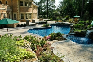 Creatively Designed Pool Surrounds