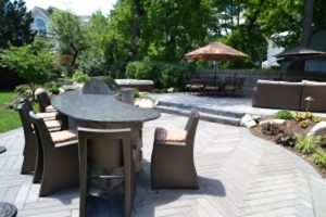 Outdoor Bar/Dining Area