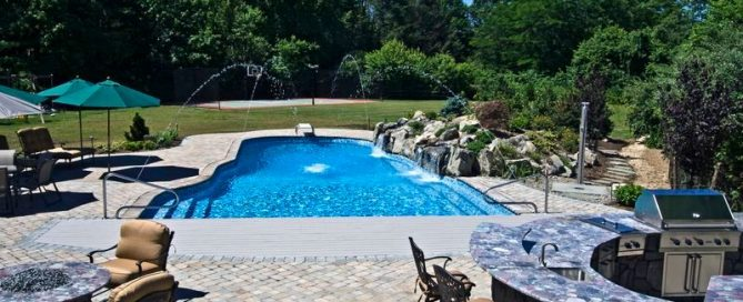 Backyard Sanctuary (Long Island/NY):